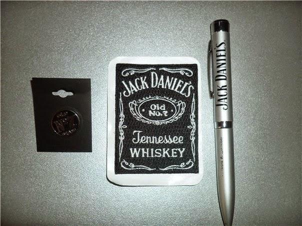 Échantillons Gratuits un Stylo et un Porte Clefs de Jack Daniel's