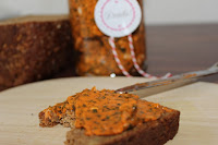 http://zahnfee-im-zuckerrausch.blogspot.de/2012/05/tomaten-basilikum-butter.html