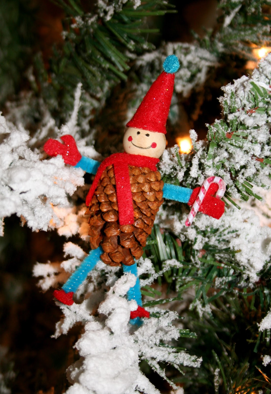 Nesting in the bluegrass pine cone elves for Pine cone christmas ornaments for kids