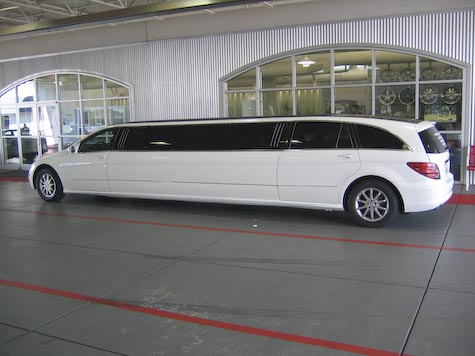 The best limousines mercedes r class limo for Mercedes benz limo
