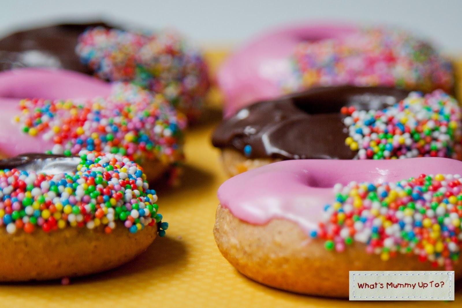http://www.whatsmummyupto.com/2015/02/free-recipe-fat-free-almost-doughnuts.html