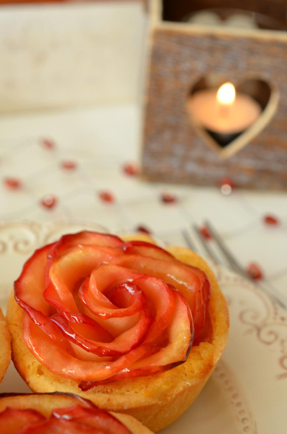 Apfel-Rosen-Tartelettes aus der Muffinform
