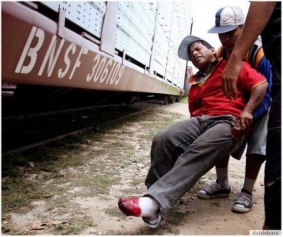 Gambar Rakyat Mexico Bergadai Nyawa Menyusup Masuk Ke Amerika