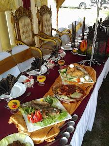 set hidangan meja pengantin