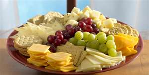 The cheese plate is essentially the same idea except each diner is inidually given a small portion of each cheese on his or her plate. & Around The World Cheese: Creating Cheese Boards and Cheese Plates