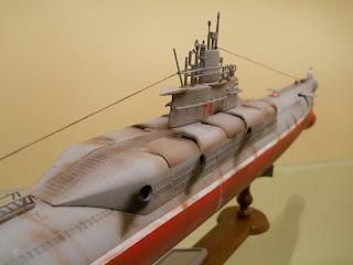 submarino estatico de la marca trumpeter a escala 1/144