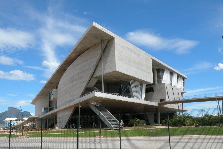 That is interesting arquitectos apestados 3 charles correa for Arquitectos y sus obras