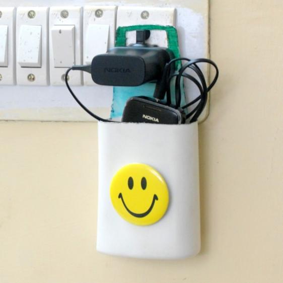 Manualidades - Soporte de móvil para enchufe