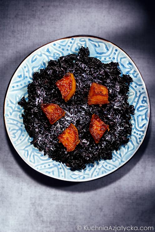 Deser z czarnego ryżu i słodkiego ziemniaka © KuchniaAzjatycka.com