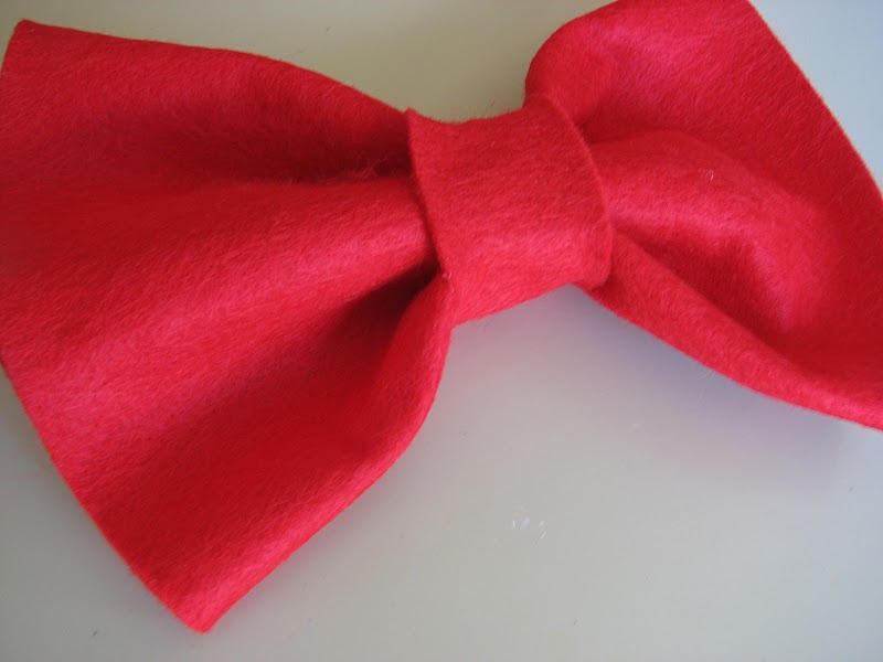 The Simple Craft Diaries: Cat in The Hat Bow Tie