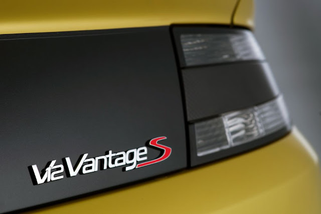 Aston Martin, V12 Vantage S, light, logo, back design