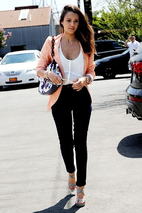 Teenage Dream Jessica Alba Street Style