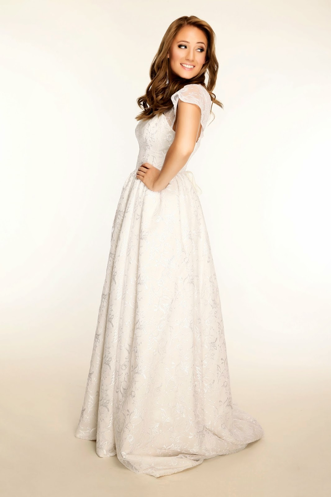 Fresh Modesty: Stasia Bridal Gowns... 10% off!