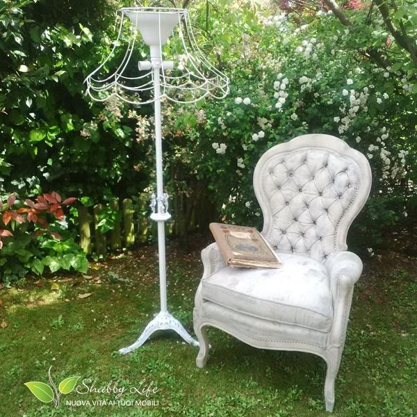 restyling di una vecchia lampada shabby chic