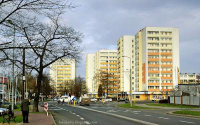 http://fotobabij.blogspot.com/2015/12/puawy-wiezowce-przy-ul-wojska-polskiego.html