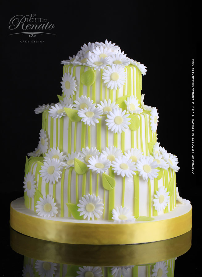 Azuleya: Sua Maesta la Wedding Cake
