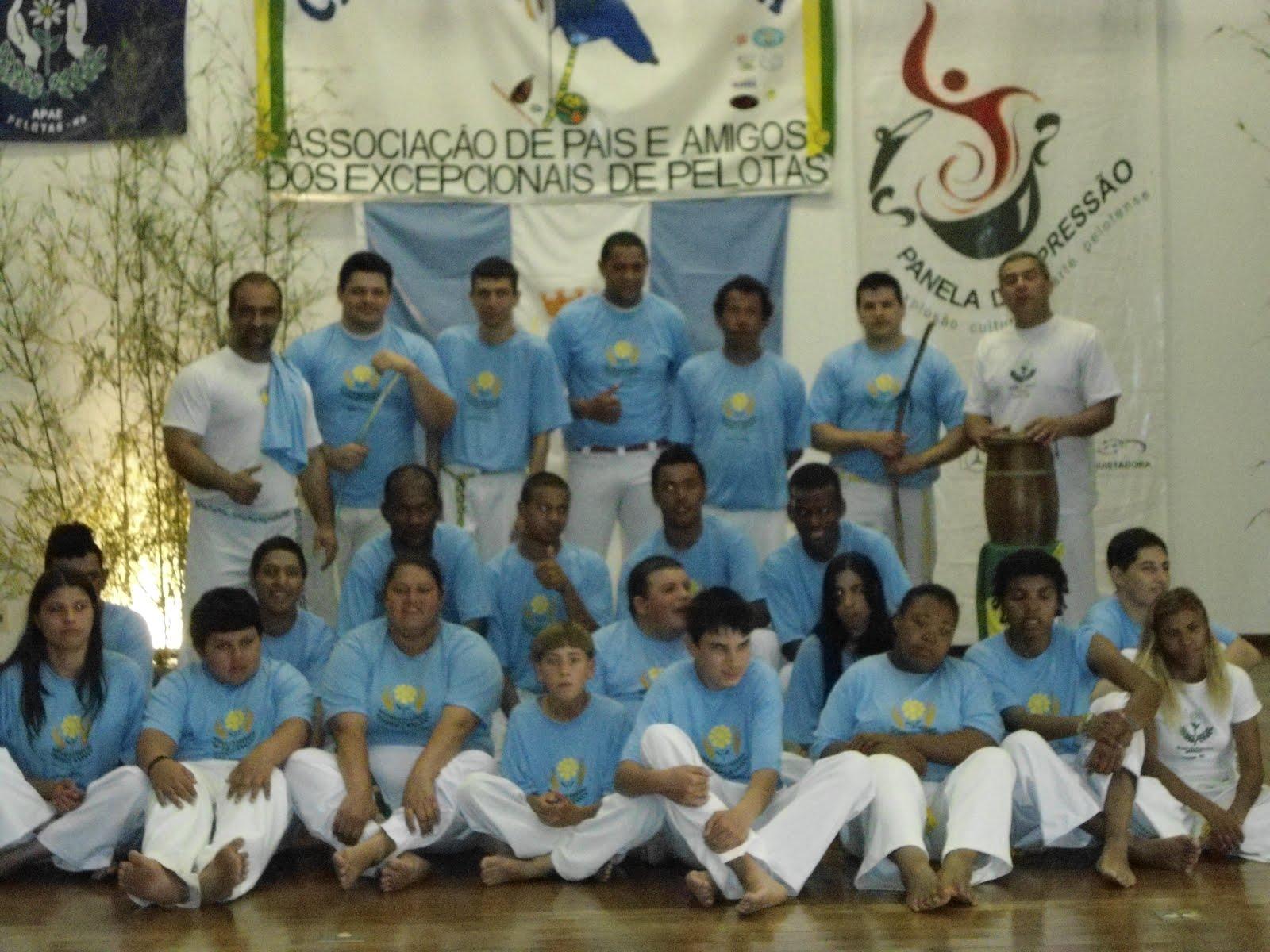 CAPOEIRA APAEANA 2013