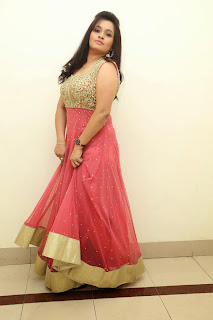 Revathi Chowdary sizzling Pictures 043.jpg