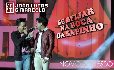 http://2.bp.blogspot.com/-Kzt6HMVcMTE/UPW3ulEw3hI/AAAAAAAAEKQ/SvheEF5SXkY/s1600/Jo%C3%A3o+Lucas+e+Marcelo+-+Beijo+Na+Boca+da+Sapinho+Oficial+2013.jpg