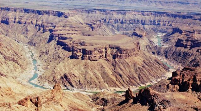 http://2.bp.blogspot.com/-L-9uEnROYgA/UbGTnaG-i-I/AAAAAAAAAAA/S_lqyW4zIPk/s1600/fish-river-canyon_namibia.jpg