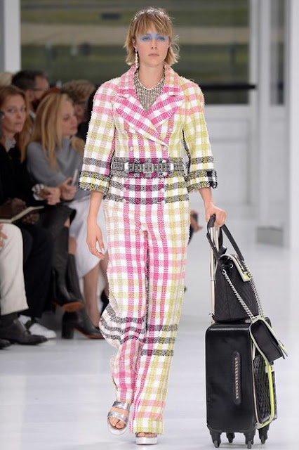 http://www.vogue.com/13357844/10-things-chanel-paris-fashion-week-spring-2016-2/