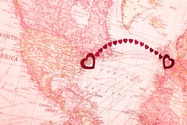 http://2.bp.blogspot.com/-L-VMc1J0hnQ/TxsvN-xfAhI/AAAAAAAAB9o/5XDNNE1oYhk/s1600/long-distance-relationship.jpg