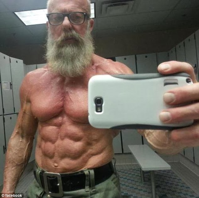 grandpa-muscle-sixpack-old
