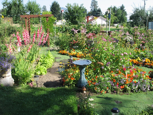 Gallery For Beautiful Vegetable And Flower Gardens