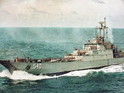 KRI Teluk Lampung-540 dan KRI Teluk Parigi-539 Amankan Pulau Terluar