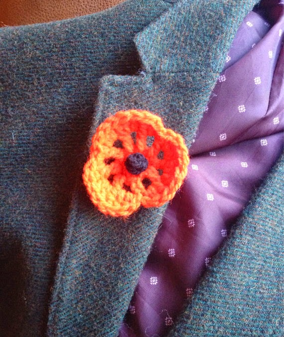 woolipip's crochet poppy brooches