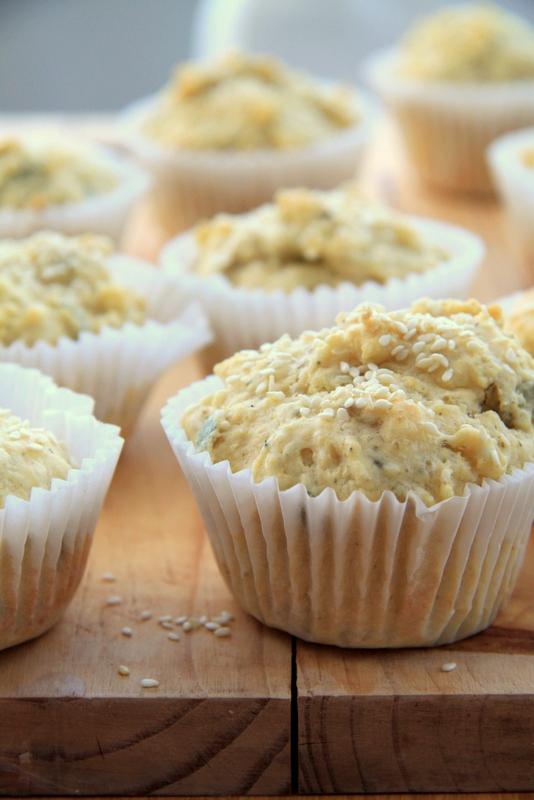Muffiny z ziarnami słonecznika, dyni i sezamu