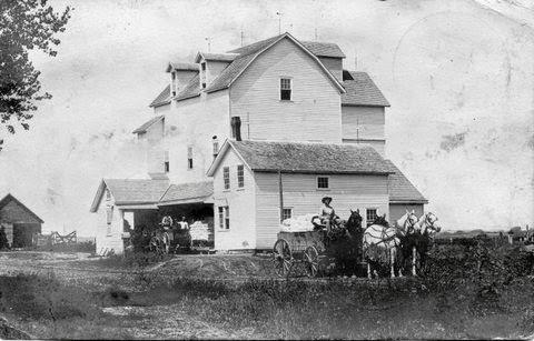 Pebble Roller Mill near Scribner, Nebraska