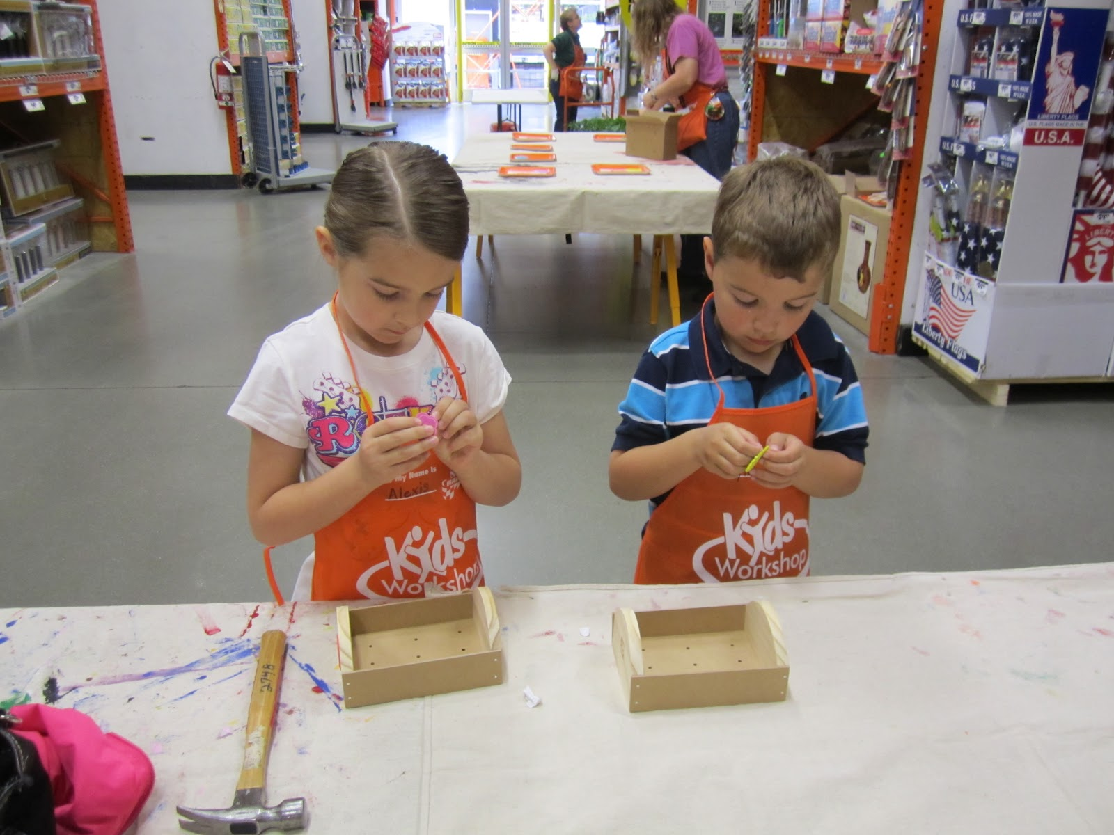 It 39 s fun 4 me home depot kids craft for Kids crafts at home depot