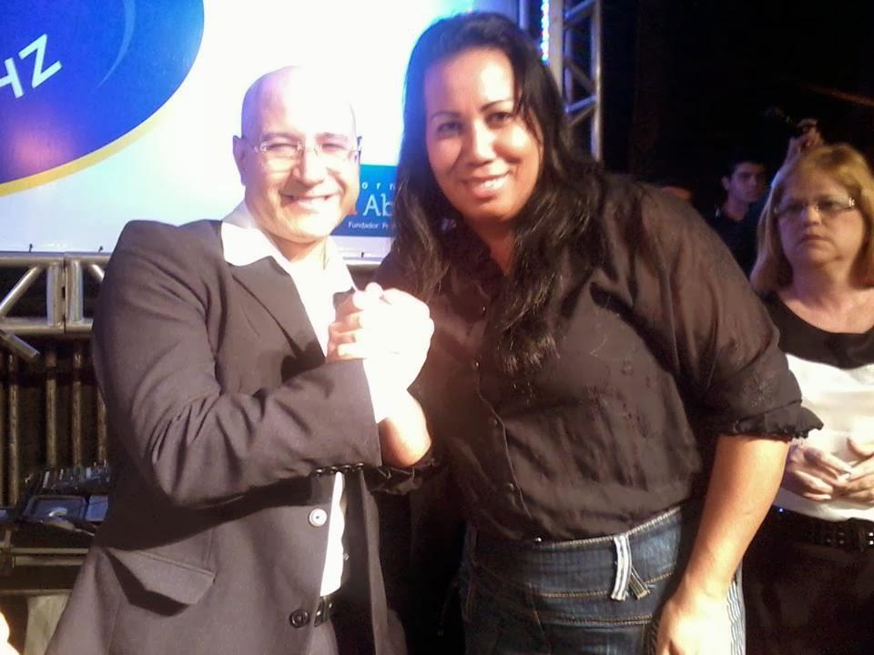 Cantora Cassia e Sergio Lopes