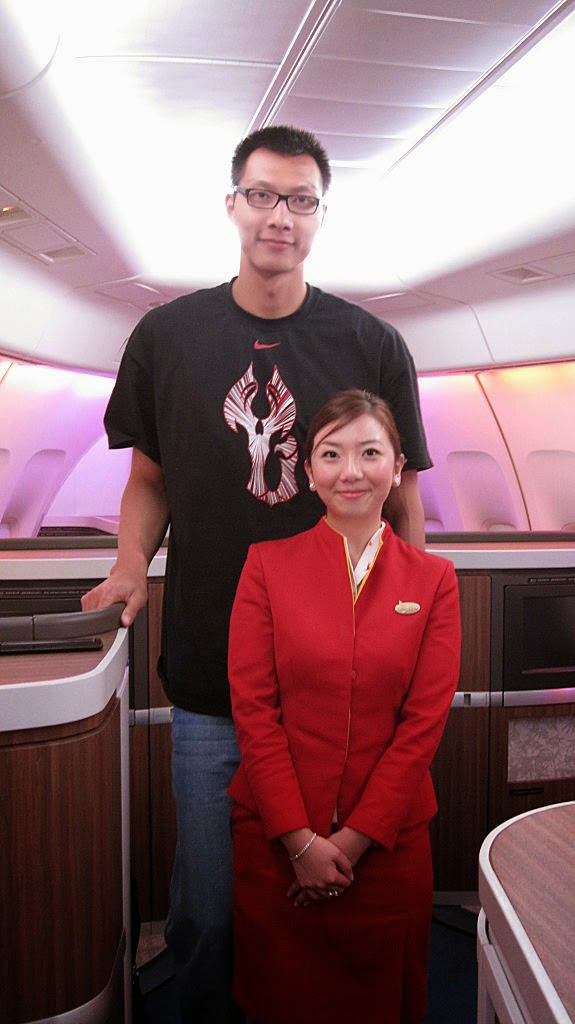 Flight attendant in viral photos says she would like to