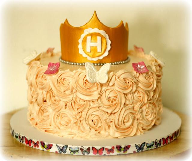 Tarta de rosas de buttercream de princesa