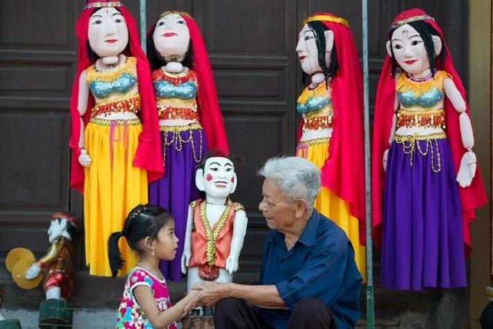 Về làng Bảo Hà chiêm ngưỡng pho tượng biết đứng lên ngồi xuống.