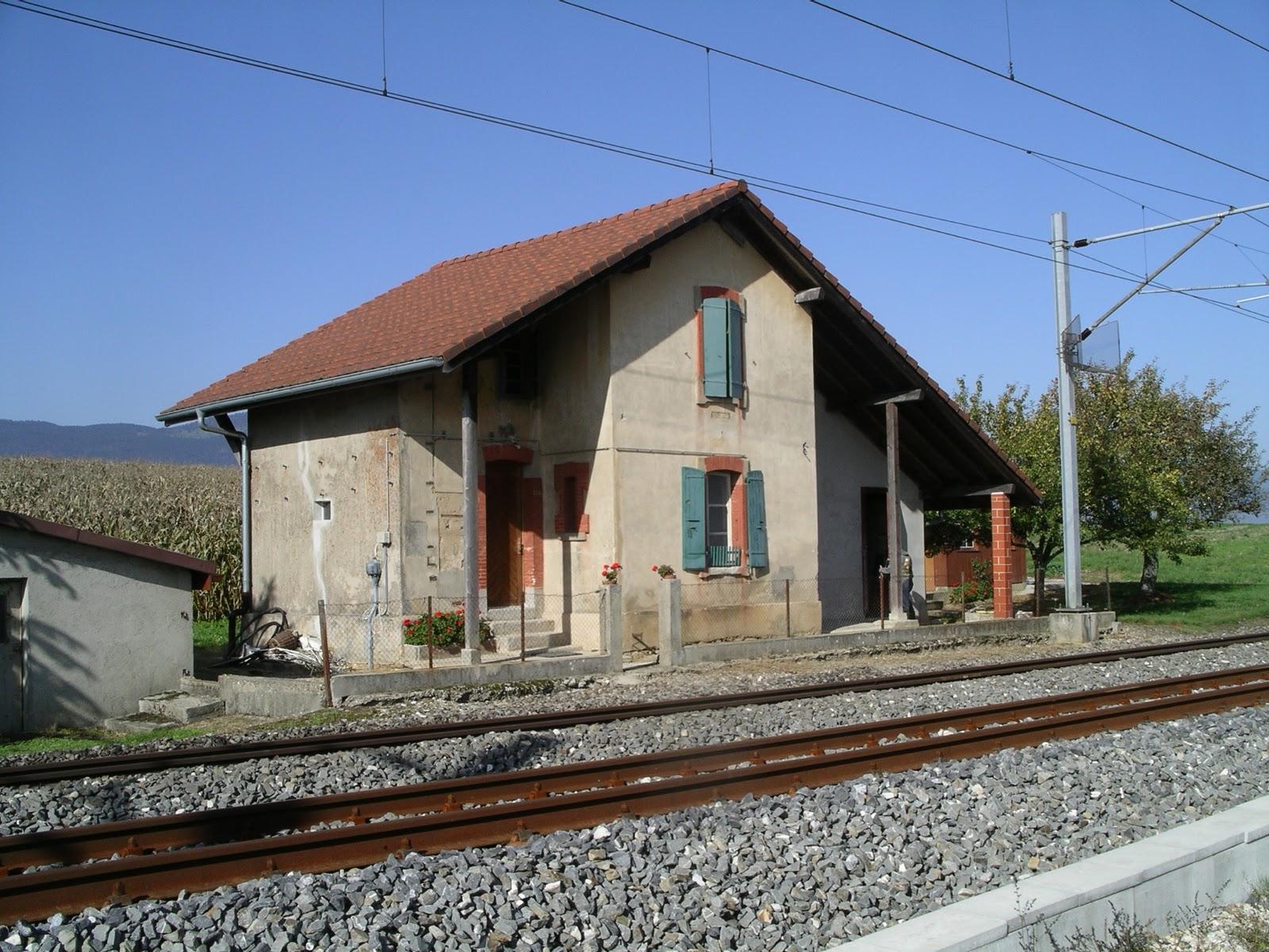Histoire et histoires d 39 arnex sur orbe la gare d 39 arnex for Ancienne maison des gardes lourmarin france