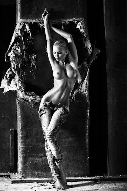 Sexiest Nude Girls Ever indianudesi.com