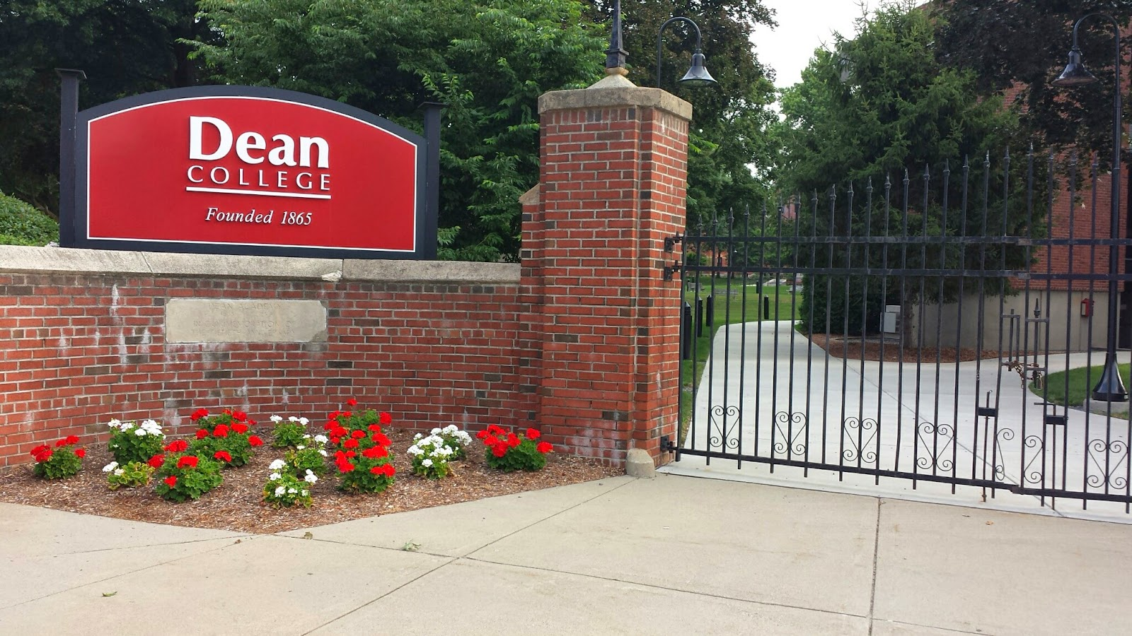 Dean College - 99 Main St, Franklin, MA