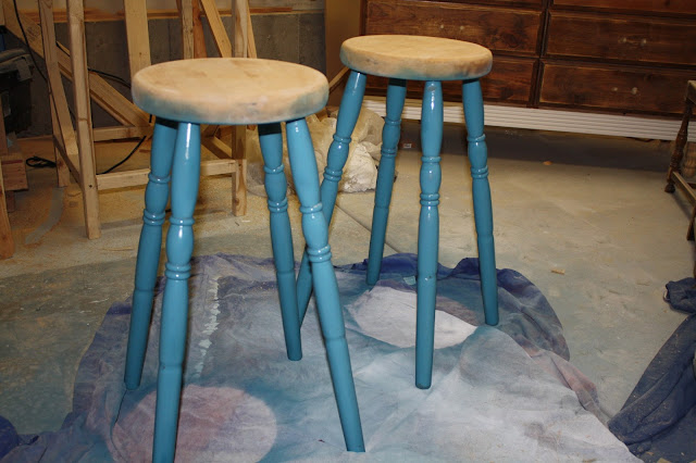 Nifty Thrifty Momma DIY Easy Bar Stool Makeover : IMG6466 from niftythriftymomma.blogspot.ca size 640 x 426 jpeg 74kB