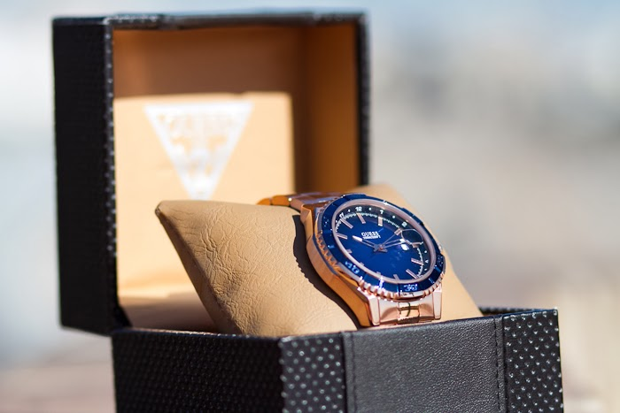 NEW IN: BLUE & ROSE GOLD GUESS WATCH