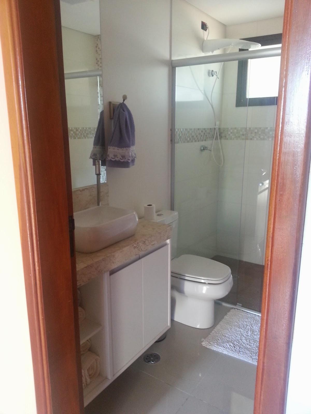 Obs: Falta o marido fechar a tomada do chuveiro! rsrsrs #633627 1200x1600 Banheiro Com Porcelanato Rustico