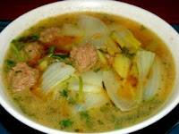 Chinese soup recipe with meatballs and chinese leaves