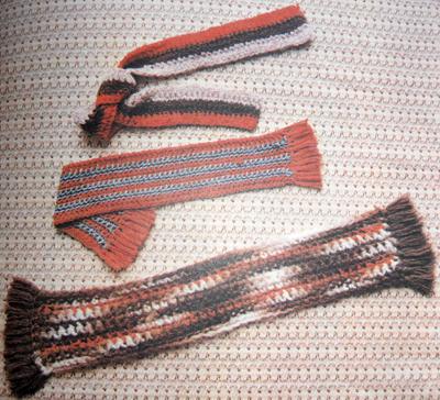 Вязание шарфика крючком. Кисточки для отделки шарфика.