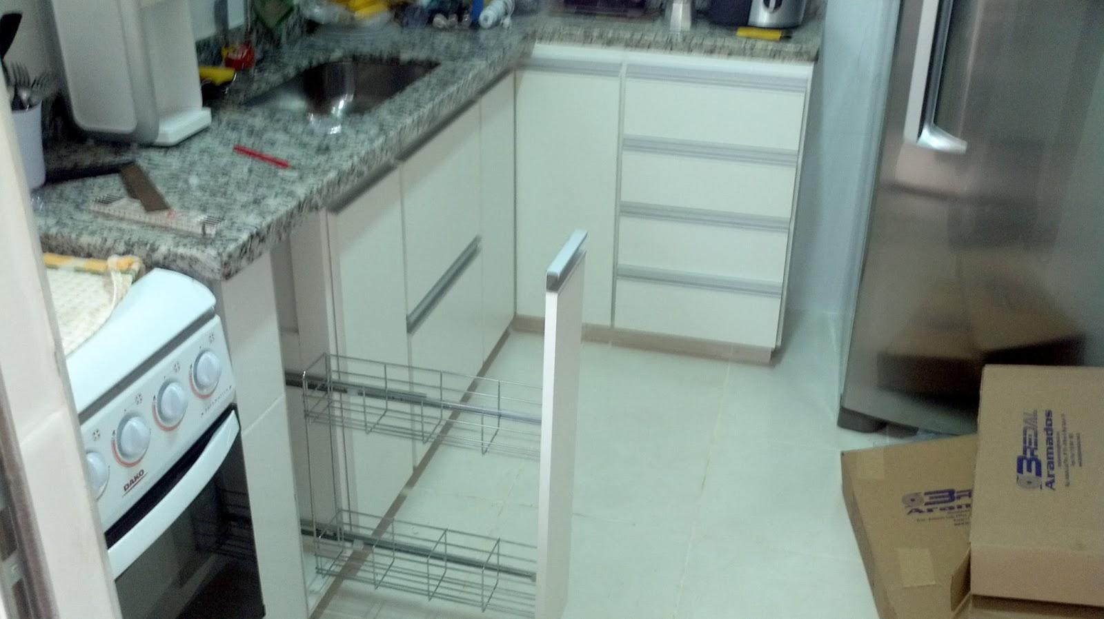 com projeto e execução. Esta cozinha ficou apenas R$ 1738 00 #5D4E3F 1600 898