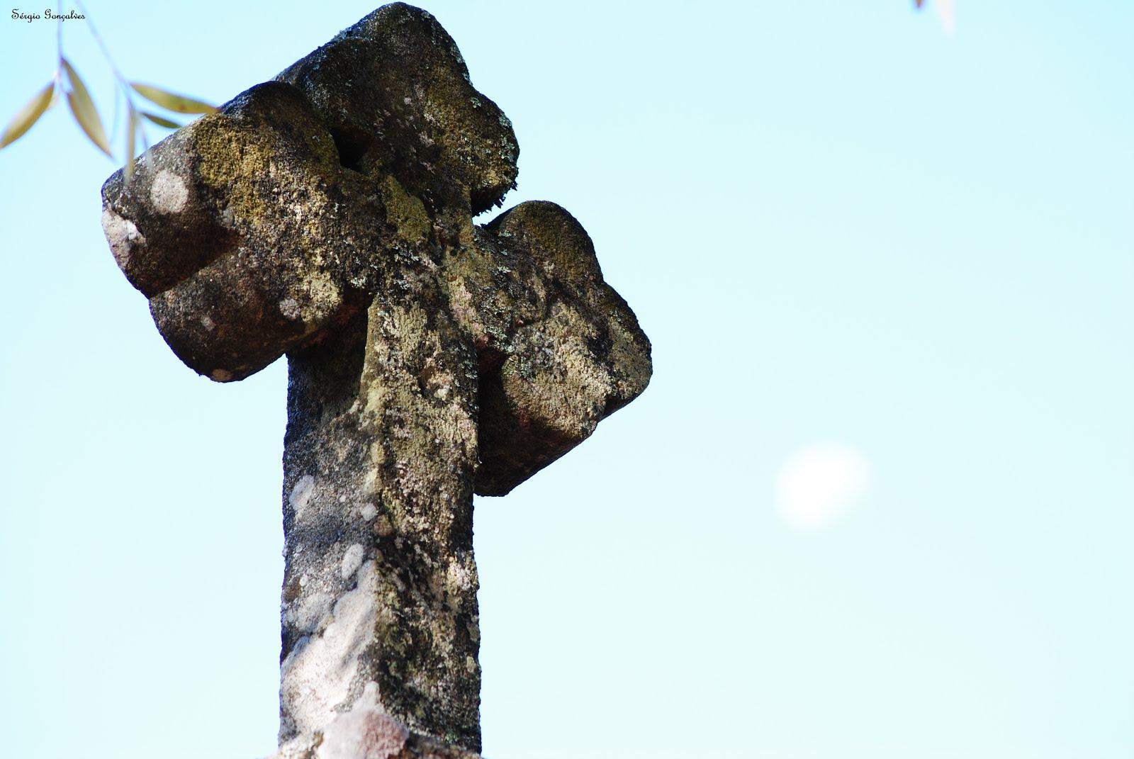 A cruz do Espigueiro / Canastro