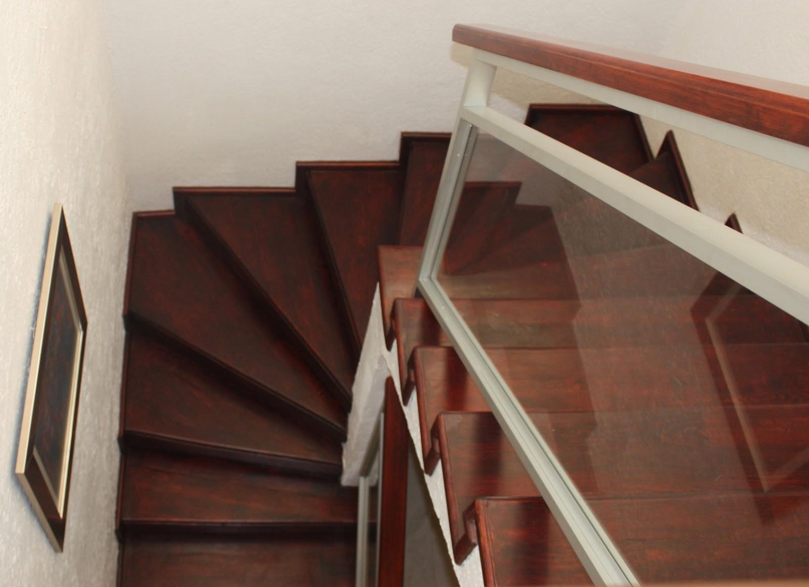 Barandales de aluminio con cristal templado y escaleras - Escaleras de cristal y madera ...