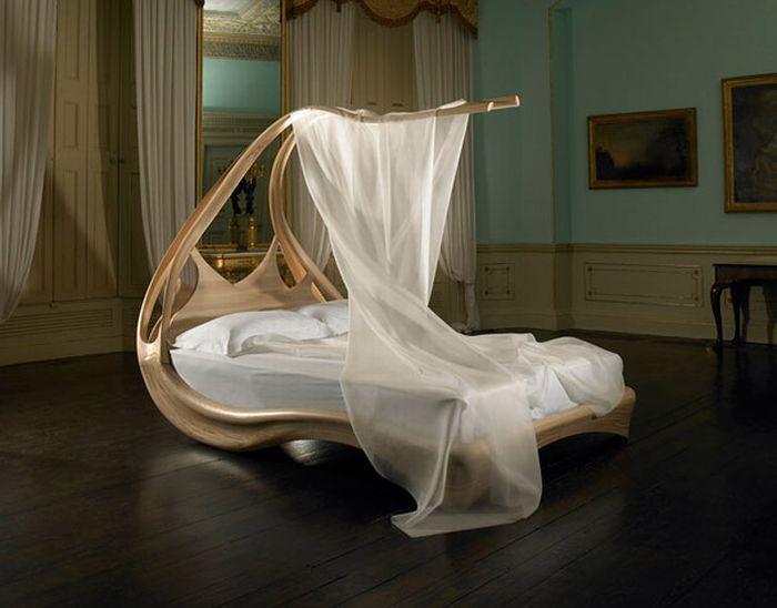 Weird Bed (18 Photos)