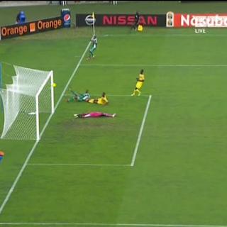 لحظة تسجيل الهدف الثاني الرائع   مالي 0 - 2 نيجيريا   تعليق : رؤوف خليف